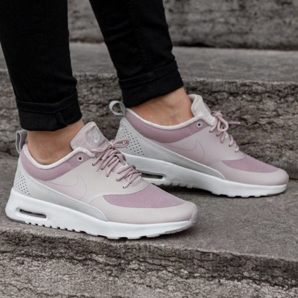 Nike Women's Air Max Thea LX size 7.5